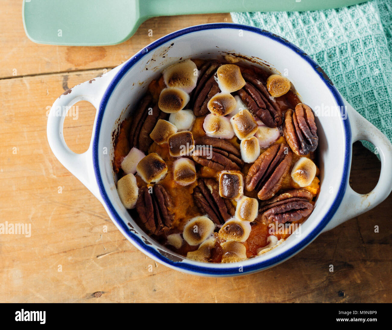 Sweet Potato with Marshmallow and Pecans - Stock Image