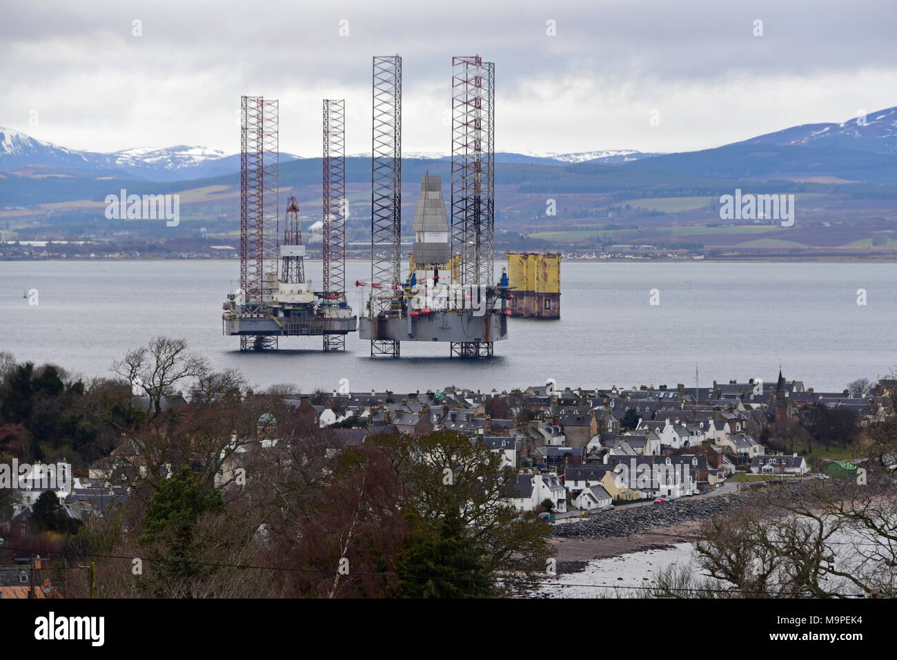 Cromarty Oil Rigs Stock Photos Amp Cromarty Oil Rigs Stock