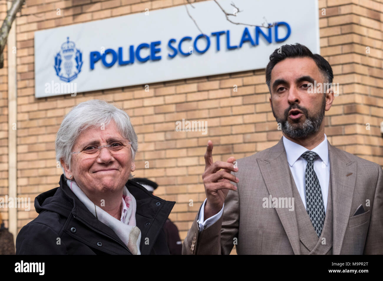 Edinburgh, Scotland,UK. 28 March 2018. Clara Ponsati Catalonia former Education Minister arrives at St Leonards police station in Edinburgh to hand her herself in under an extradition arrest warrant issued by the Spanish Government. She is accompanied by her lawyer Aamer Anwar. Credit: Iain Masterton/Alamy Live News - Stock Image