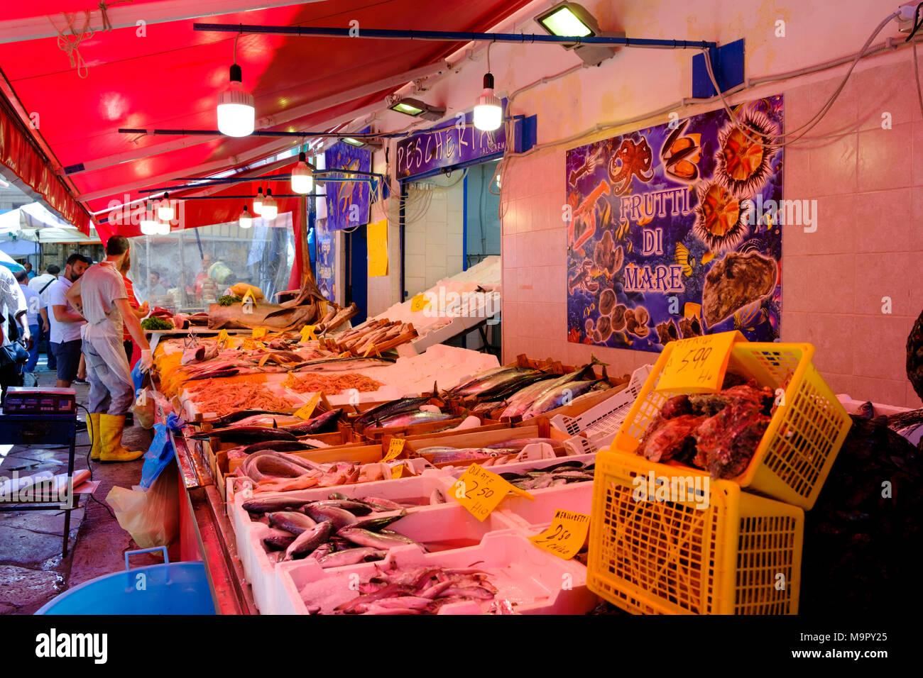 Fish market, Ballaro market, Mercato di Ballaro, Palermo, Sicily, Italy - Stock Image
