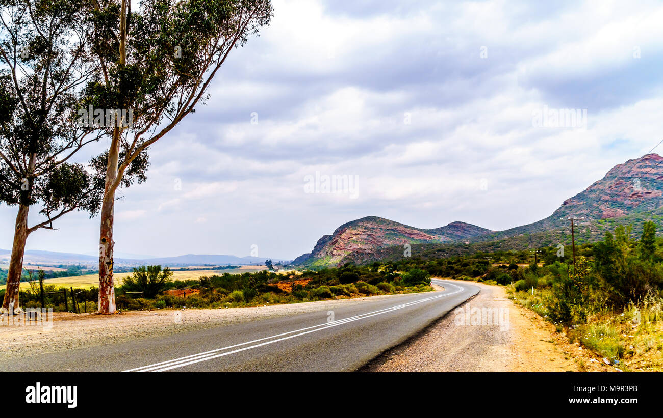 National Road N12 between the towns of De Rust and Oudtshoorn in the Little Karoo region of the Western Cape Province in South Africa Stock Photo