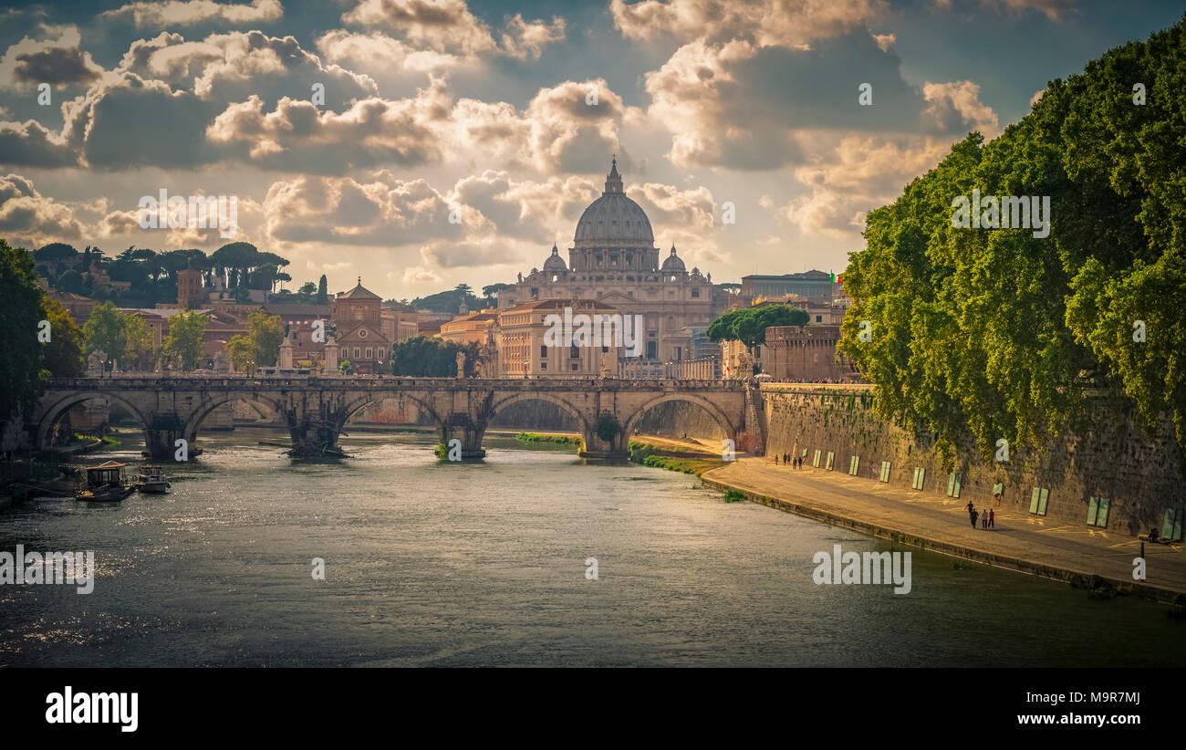 Europa, Italien, Rom, Tiber, Vatikan, Dom, Petersdom - Stock Image