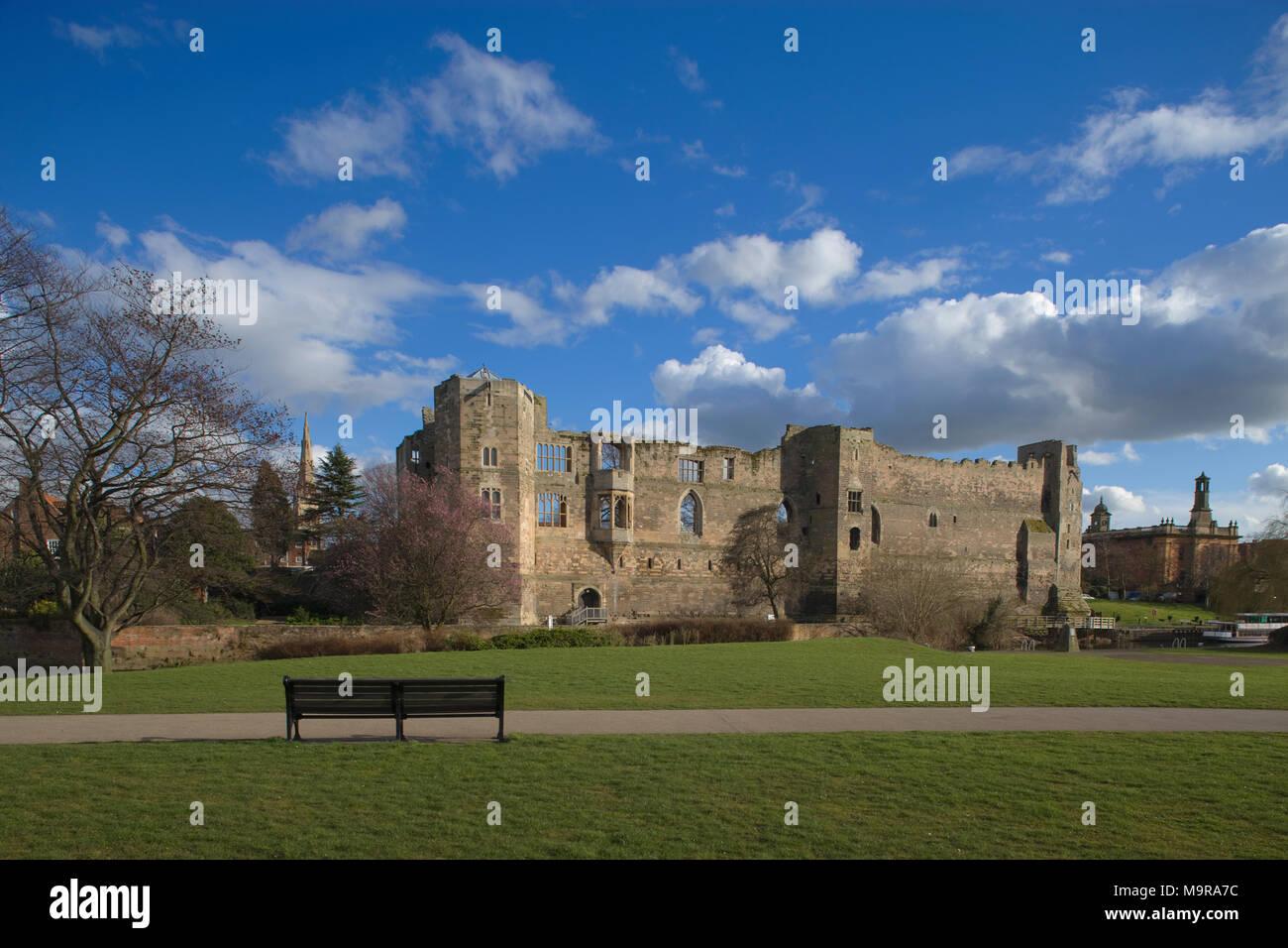 Newark Castle & River Trent Newark, Nottinghamshire, England - Stock Image