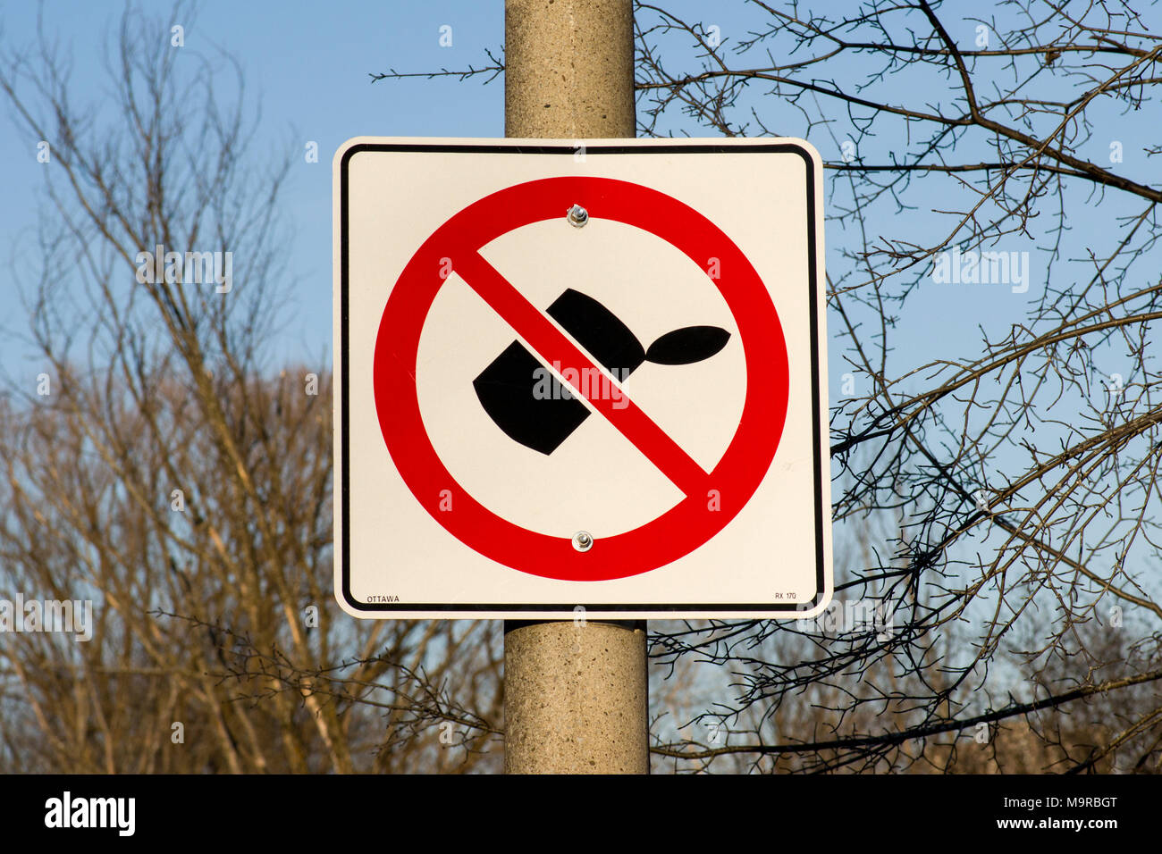 no dumping sign in City of Ottawa - Stock Image