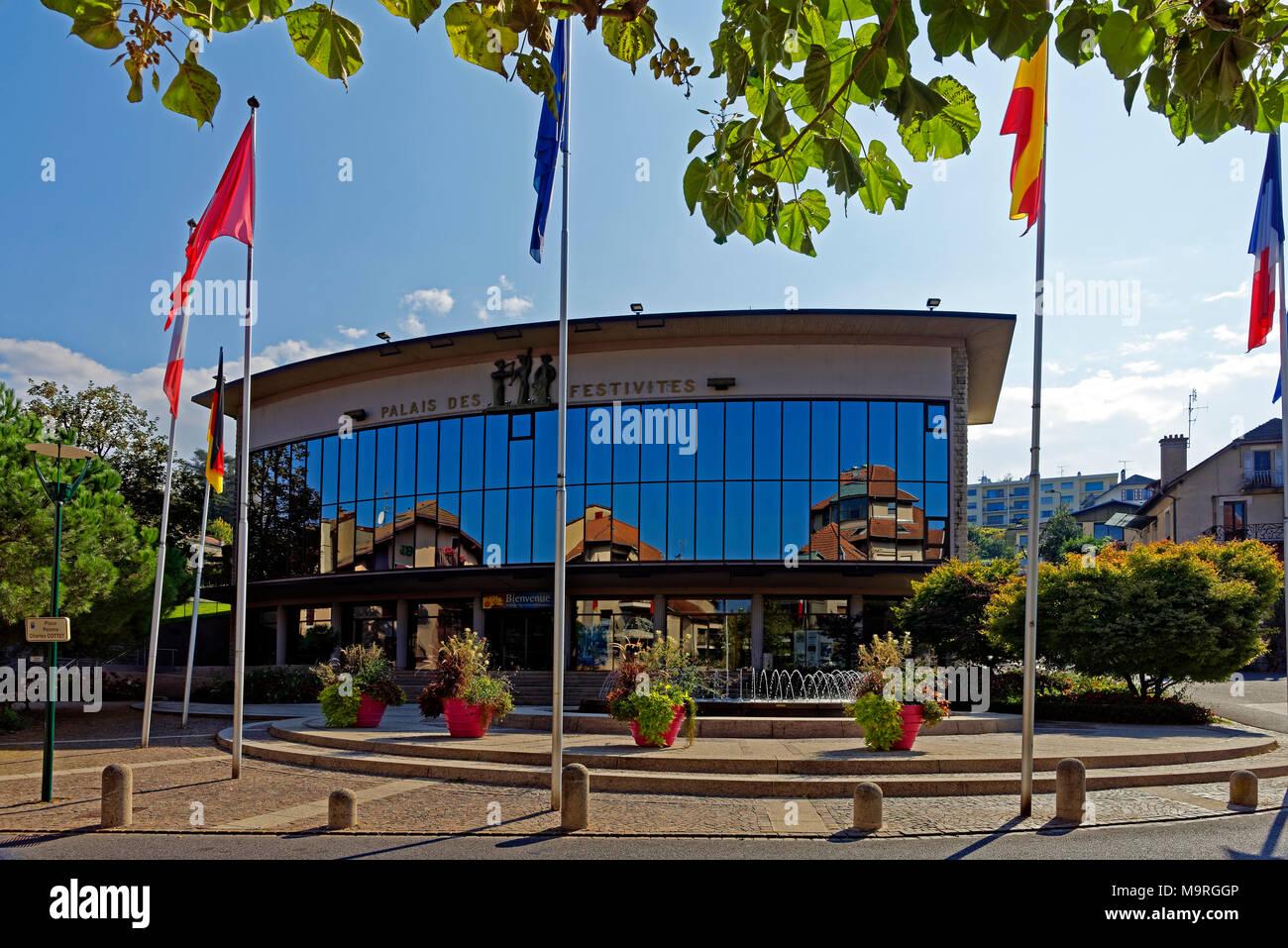 Europe, France, Auvergne Rhône nightmare, Évian-les-Bains, Place Peintre Charles Cottet, palace festivités, street view, architecture, flowers, flags, - Stock Image