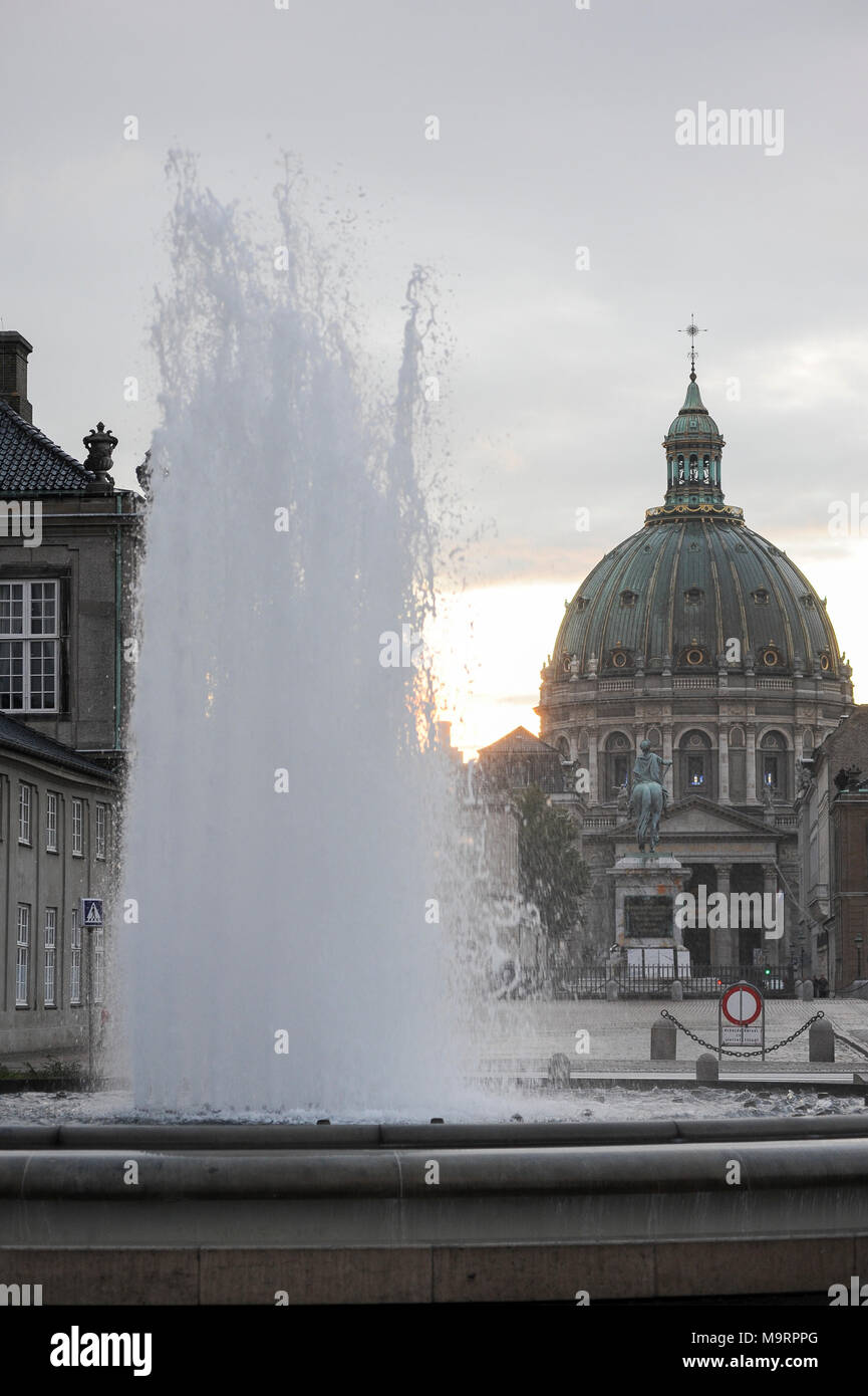 Rococo Frederiks Kirke (Frederik's Church) called also Marmorkirken (The Marble Church) designed by Nicolai Eigtved and Amalienborg Palace built 1750  - Stock Image