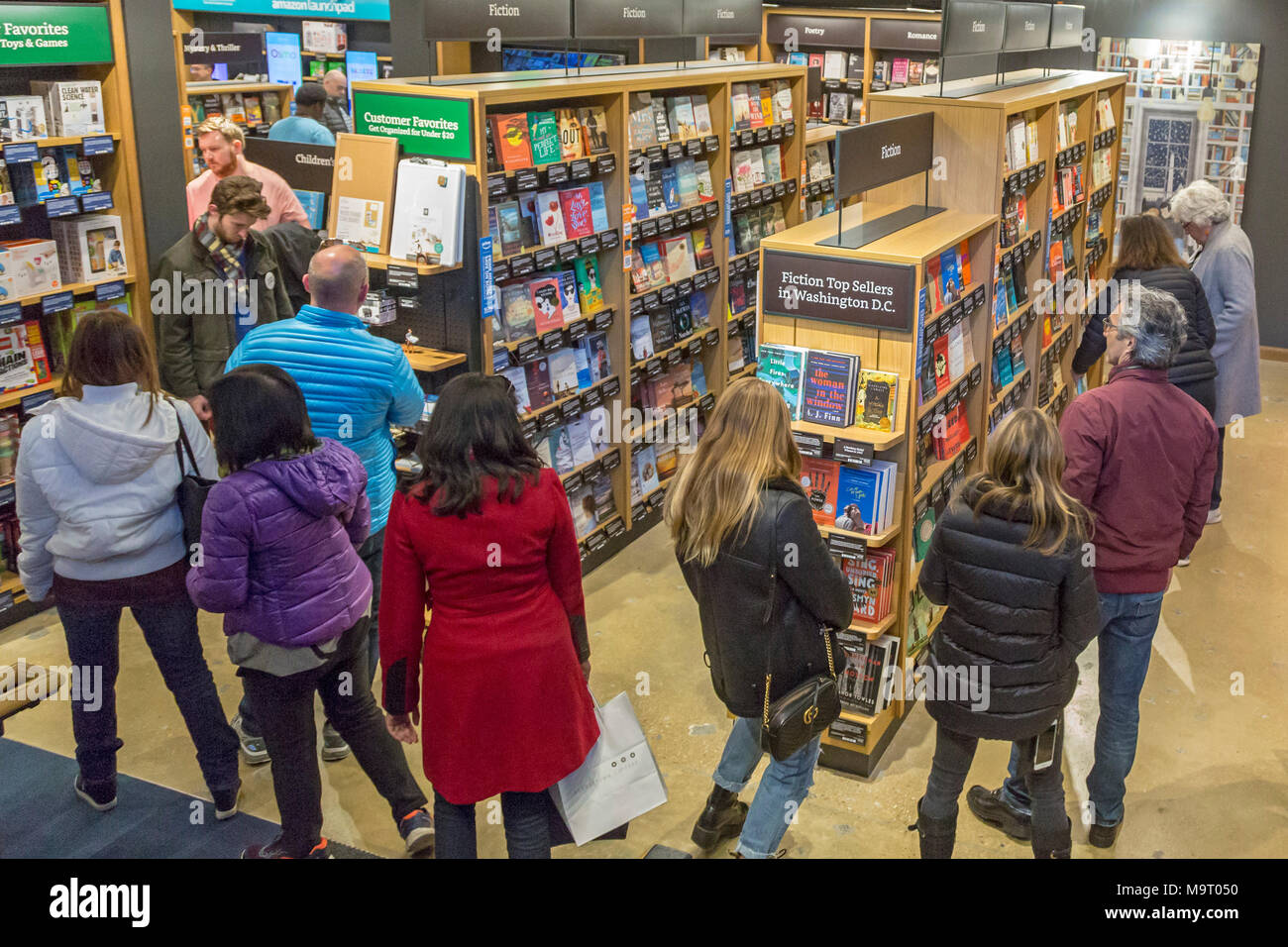 Washington, DC - Amazon's bookstore in Washington's Georgetown neighborhood. The store opened in what used to be a Barnes & Noble bookstore. It displa - Stock Image