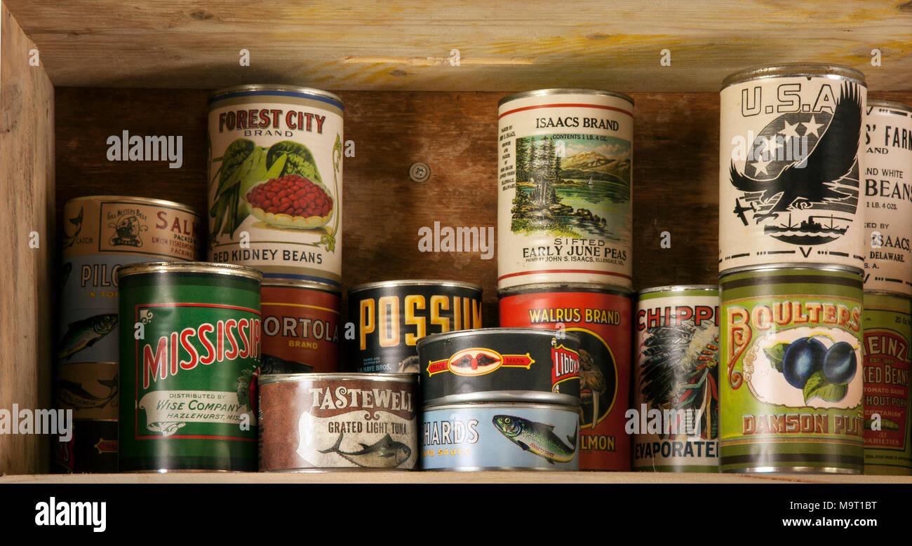 Vintage american yesteryear memorabilia. Food store of Vintage tinned USA foods - Stock Image