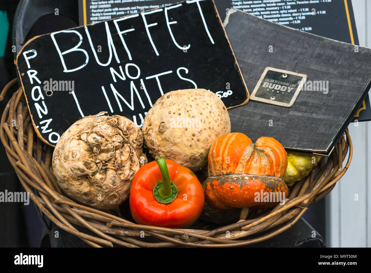 Buffet no limits display at Rome Restaurant, Lazio, Italy. - Stock Image