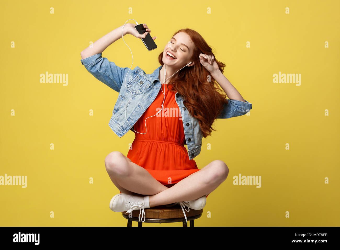 image Singing while sitting on the vibrators