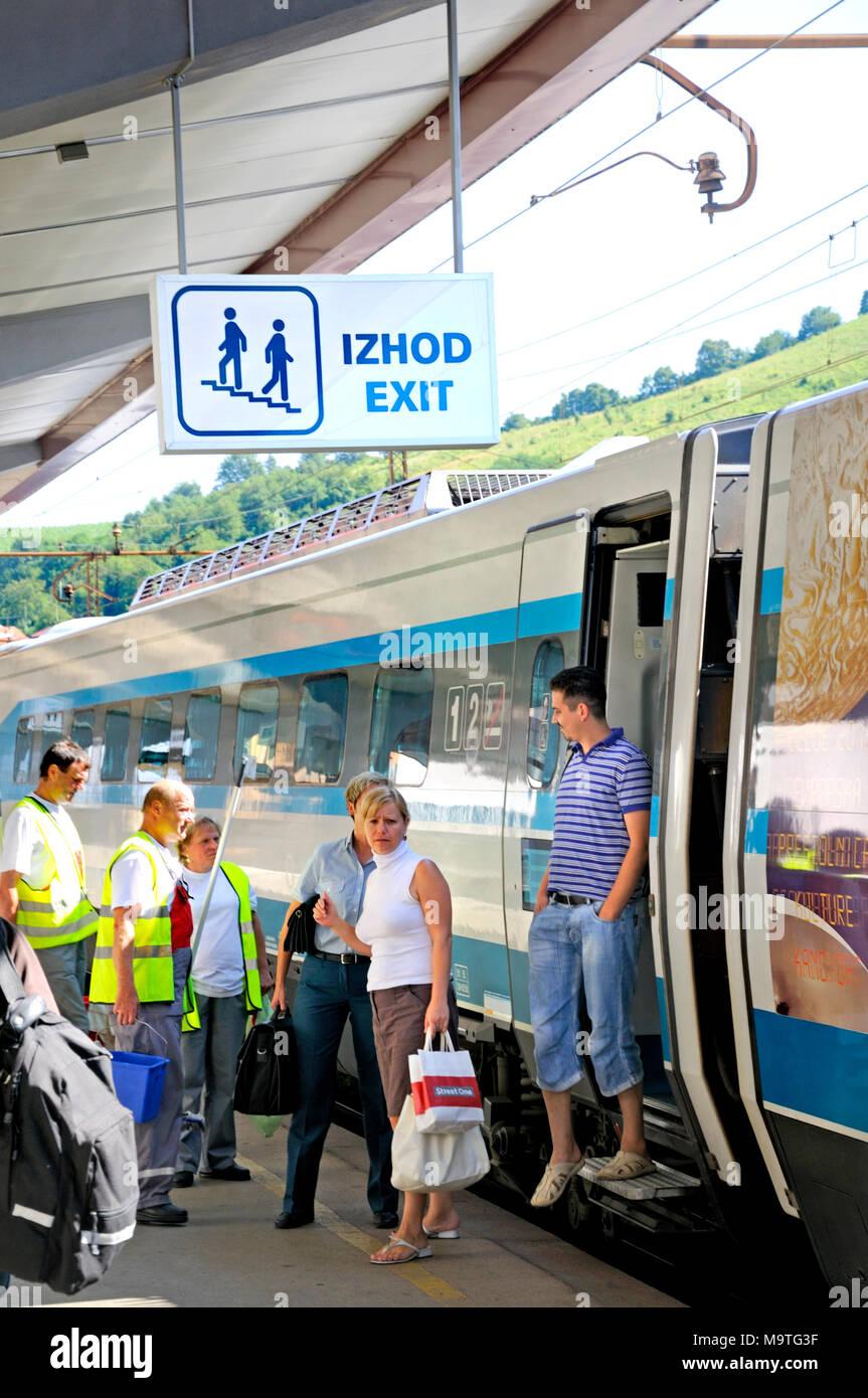 Maribor, Stajerska, Slovenia. Train at  the platform in main Railway Station - Stock Image
