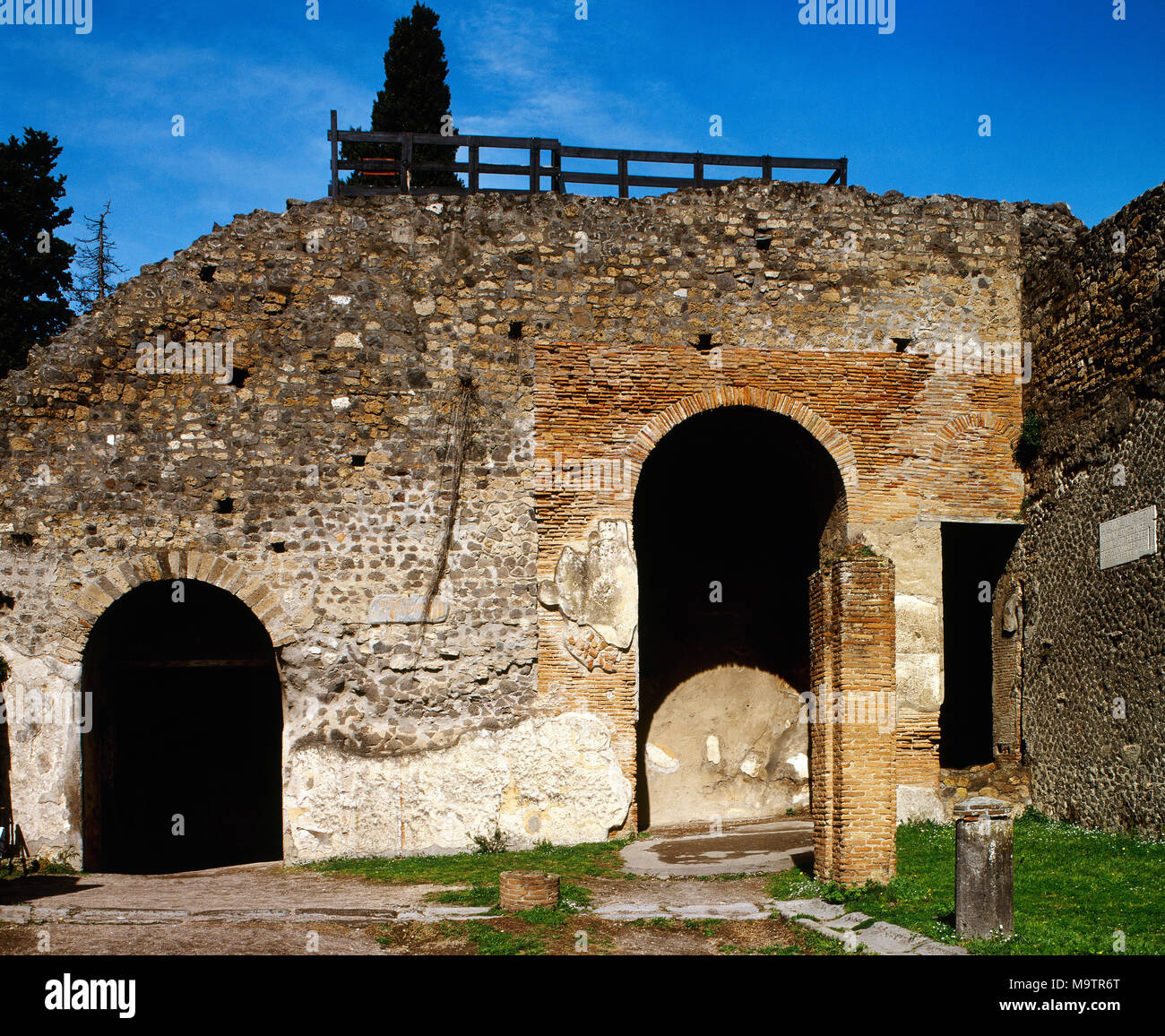 Pompeii. Ancient Roman city. Large Theatre, 2nd century BC. Entrance to the enclousure. Campania, Italy. - Stock Image