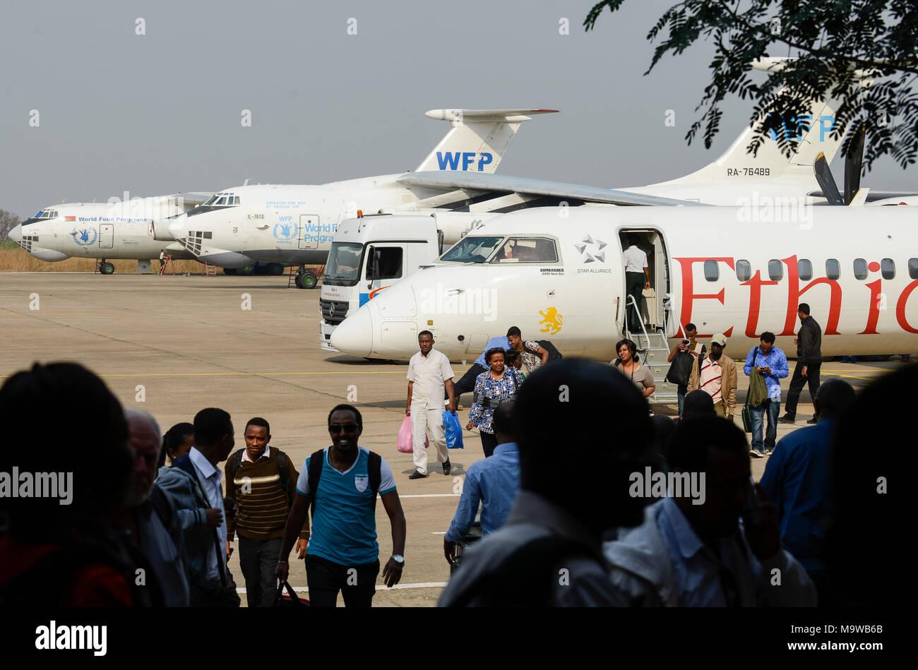 ETHIOPIA Gambela, airport, russian transport airplanes of WFP and ethiopian airlines / AETHIOPIEN Gambela, Flughafen mit Flugzeugen von WFP und Ethiopian Airlines - Stock Image