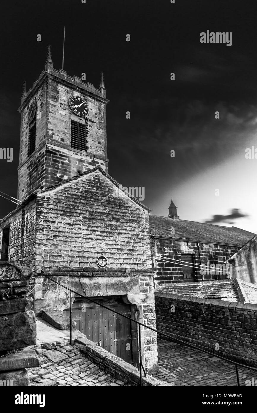 Holy Trinity church and th'Owd towser, daisy lane, Holmfirth, West Yorkshire, England, UK - Stock Image