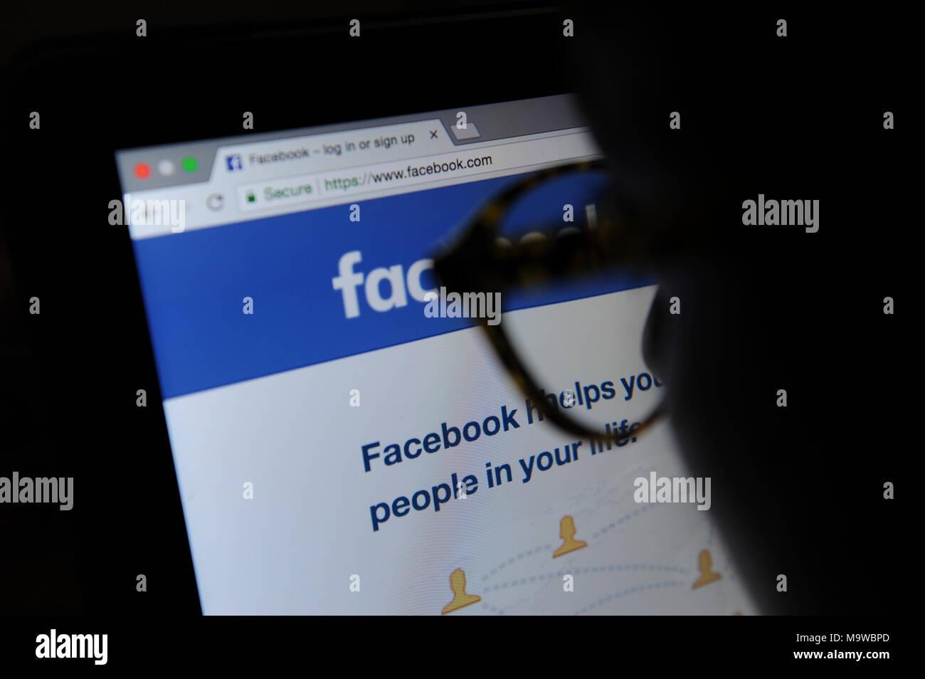Com login facebook www mobile Facebook on