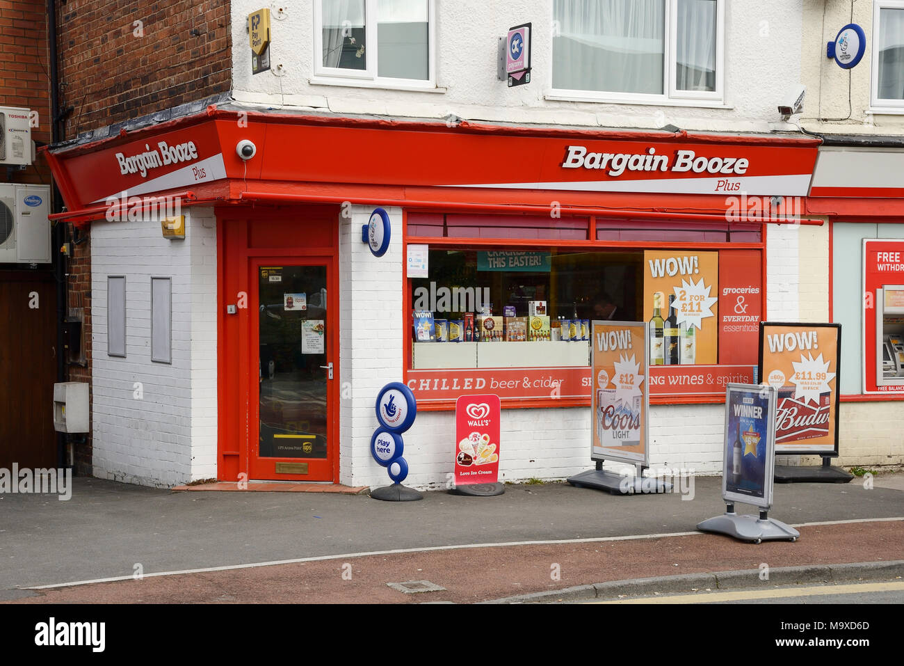 Bargain Booze store in Chester, UK. - Stock Image