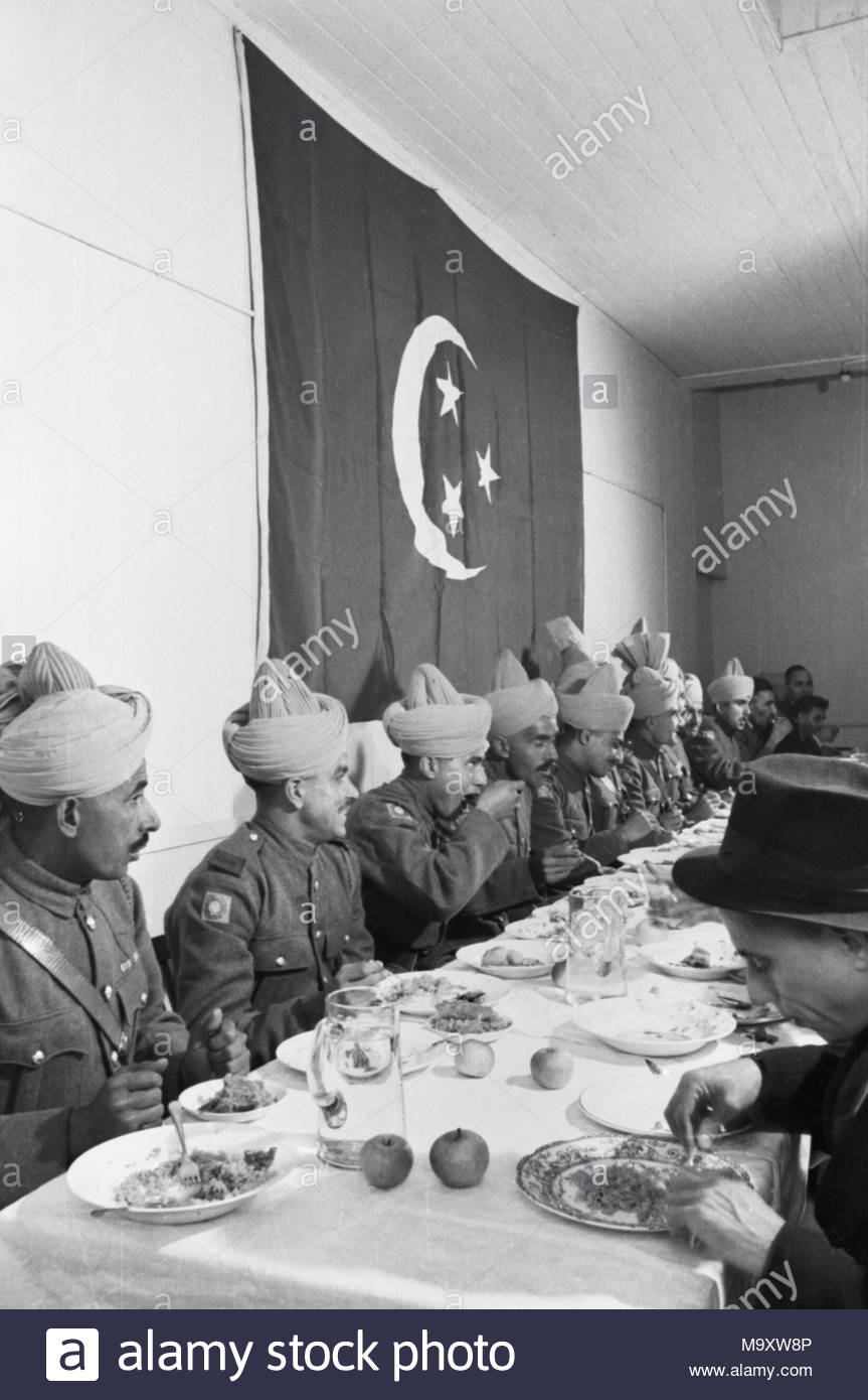 Amazing Indian Eid Al-Fitr Feast - muslims-in-britain-eid-ul-fitr-celebrations-1941-soldiers-of-the-royal-indian-army-service-corps-enjoy-a-feast-following-the-eid-ul-fitr-ceremony-at-the-east-london-mosque-M9XW8P  Trends_408146 .jpg