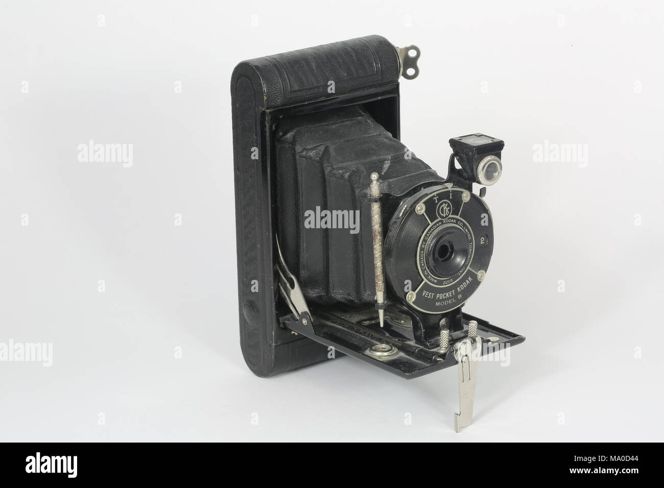 An old Eastman Kodak Vest Pocket Camera Model B. Manufactured between 1925 and 1934, this model was marketed for Boy Scouts or Girl Guides. - Stock Image
