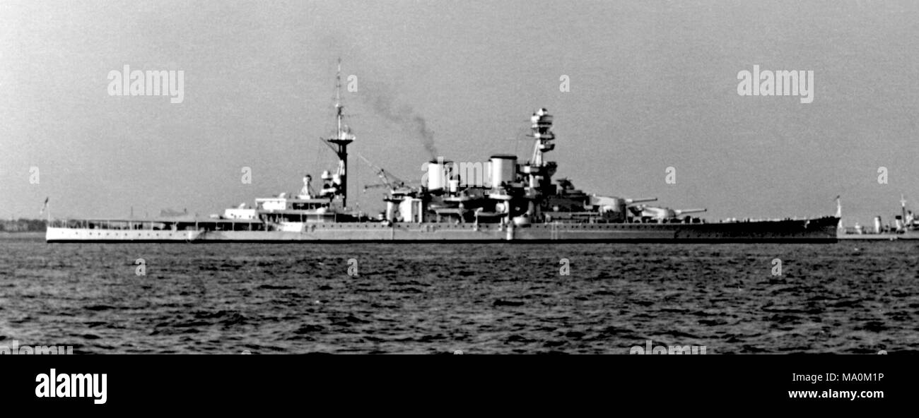 AJAXNETPHOTO. MAY, 1937. SPITHEAD, ENGLAND. - BIG GUNS - BATTLESHIP HMS REPULSE (32,000 TONS) SEEN AT SPITHEAD DURING THE MAY 1937 CORONATION FLEET REVIEW. SHIP WAS LOST OFF MALAYA 3 DAYS AFTER THE JAPANESE ATTACK ON PEARL HARBOUR. 
