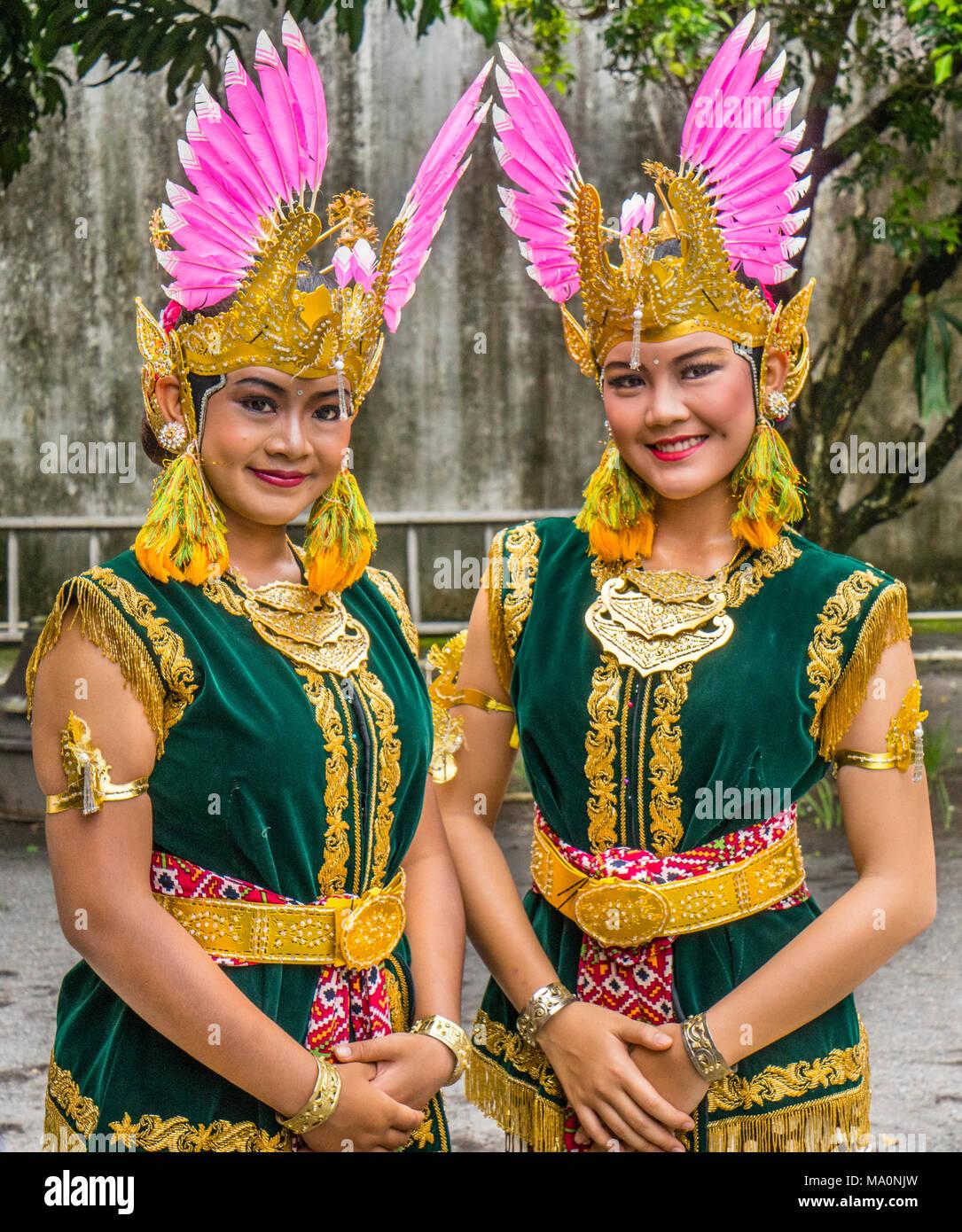 photo oportunity with Srimpi dancers at the Kraton Ngayogyakarta Hadiningrat, the palace of the Yogyakarta Sultanate, Central Java, Indonesia - Stock Image