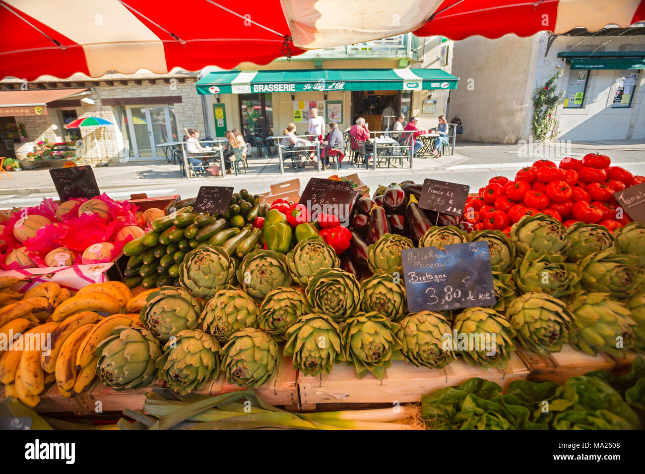 Early morning market in Luzech, a commune in the Lot department in south-western France. Stock Photo
