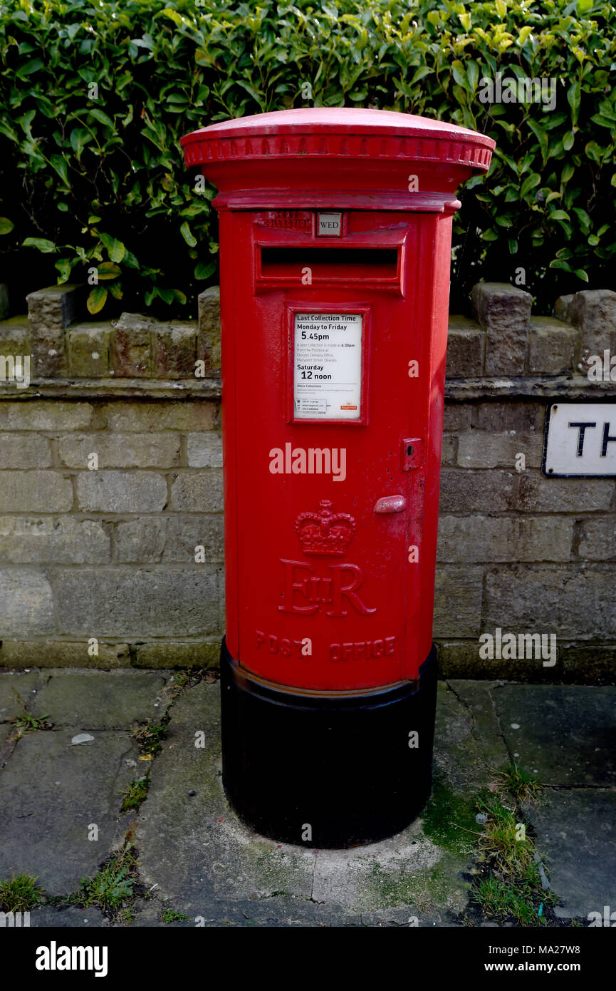 Royal Mail Letter Box.Red Royal Mail Post Box In The Town Of Devizes In The County