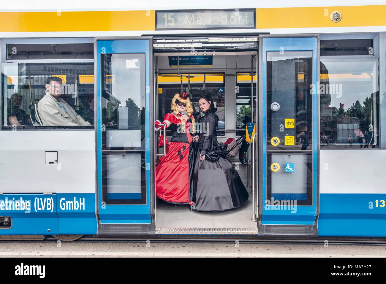 Wave-Gotik-Festival: Baroque meets modern, two women on a tram in Leipzig - Stock Image