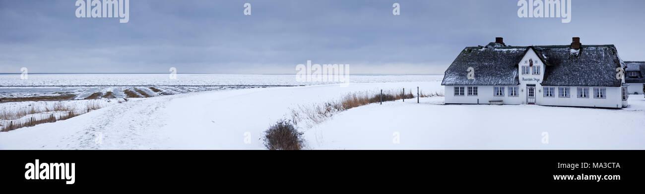 Frisian's house Ranteem Inge in the snow, Rantum, island Sylt, the North Frisians, Schleswig - Holstein, Germany, - Stock Image
