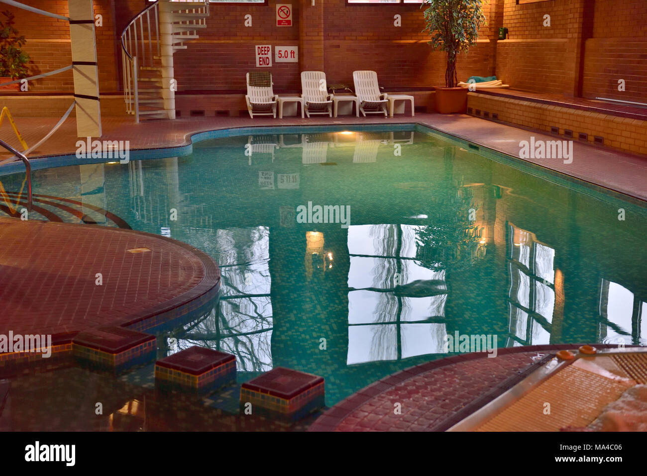 Hotel indoor swimming pool uk arden hotel leisure club - Hotels with swimming pools in birmingham ...