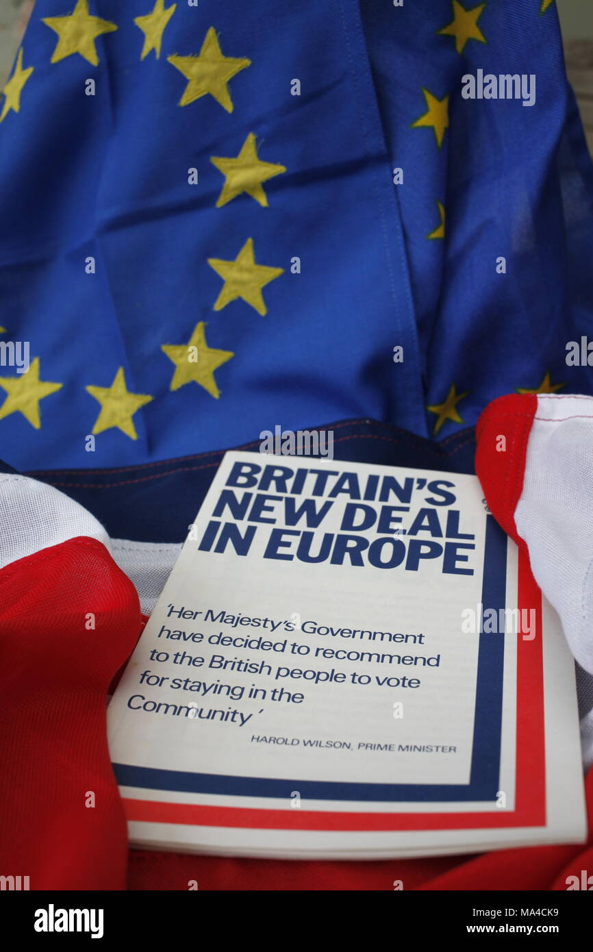 Remember Joining the EU, Britain's New Deal in Europe Historical Referendum Pamphlet of 5th June 1975, Harold Wilsons, The Prime Minsters Labour Party - Stock Image