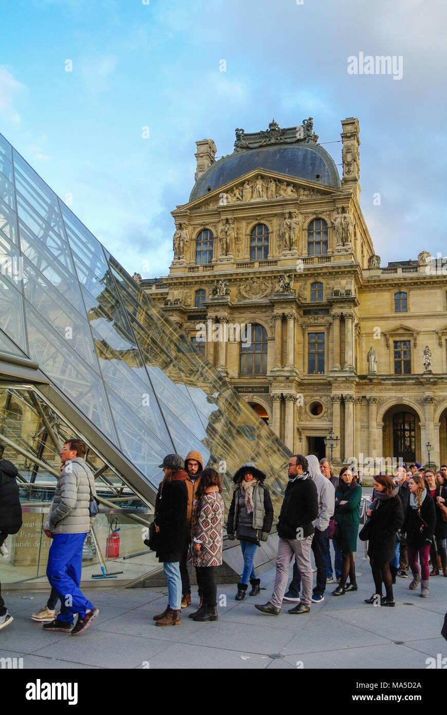 tourists queuing, louvre museum, paris, france Stock Photo
