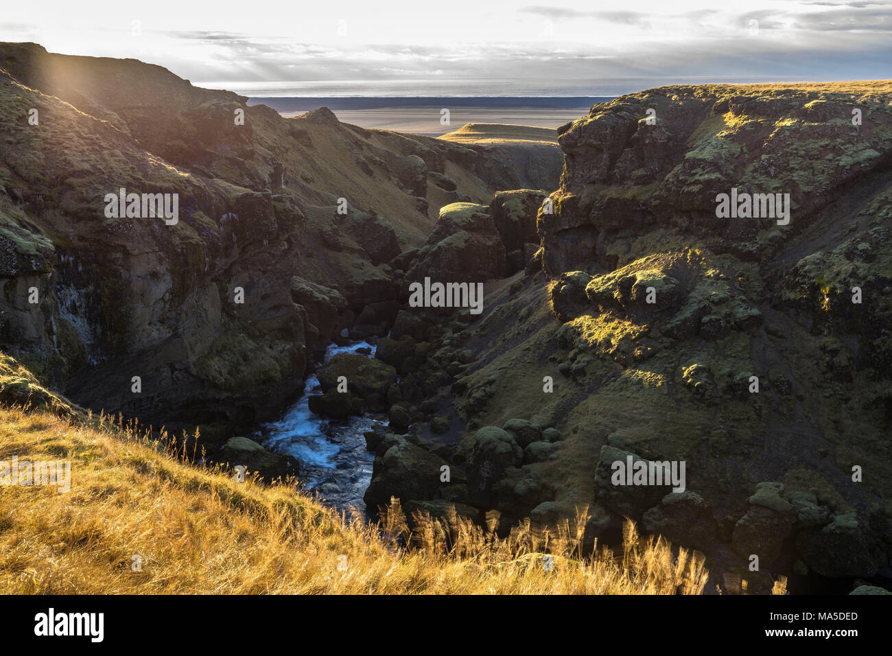 Europe, Northern Europe, Iceland, Skógar, Highlands, view from the Fimmvörduhals hiking trail to the south coast of Iceland - Stock Image