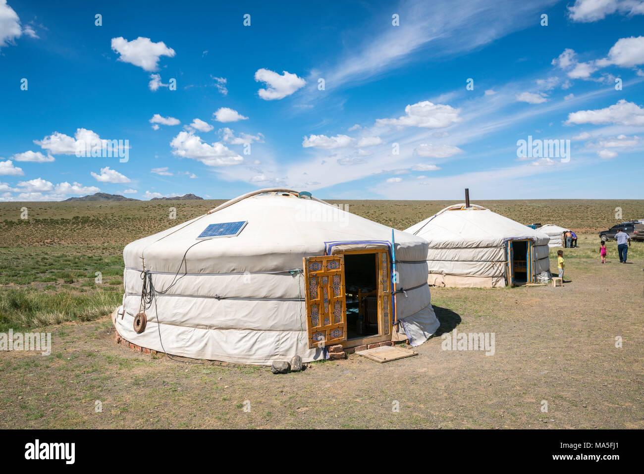 Mongolian traditional nomadic gers. Bayandalai district, South Gobi province, Mongolia. - Stock Image