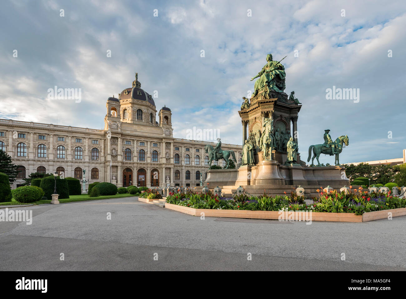 Vienna, Austria, Europe. The Maria Theresa Monumente with the Art History Museum Stock Photo