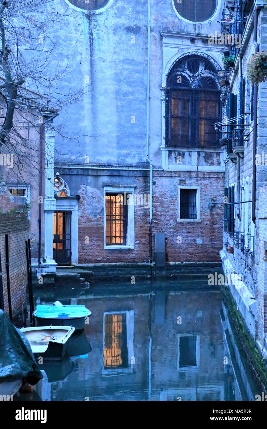 Venice canal at night, Ospizio Badoer - Stock Image
