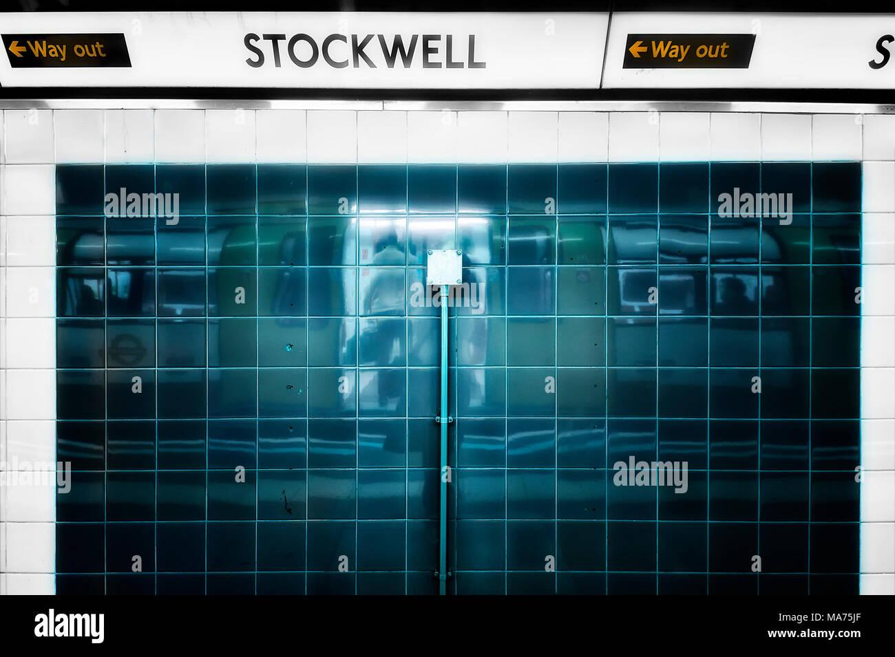 London Underground Tube Station: Stockwell - Stock Image