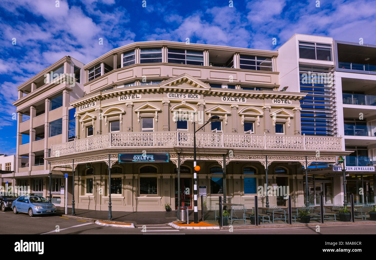 Picton, New Zealand - Oxley's Hotel Facade. Only the facade was retained after the original building, Oxley's Hotel, was demolished in 2004. - Stock Image