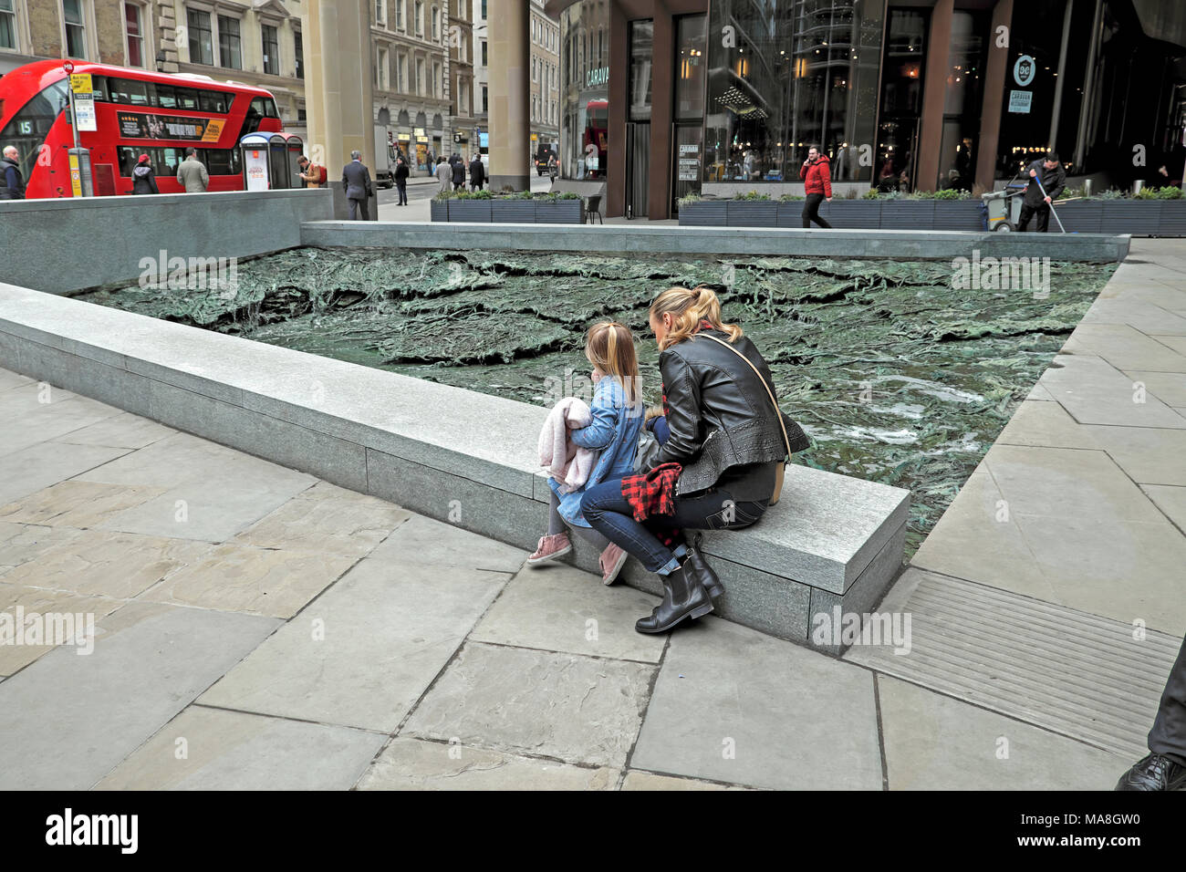 'Forgotten Streams' sculpture by artist Cristina Iglesias at the Bloomberg European Headquarters building in the City of London UK   KATHY DEWITT - Stock Image