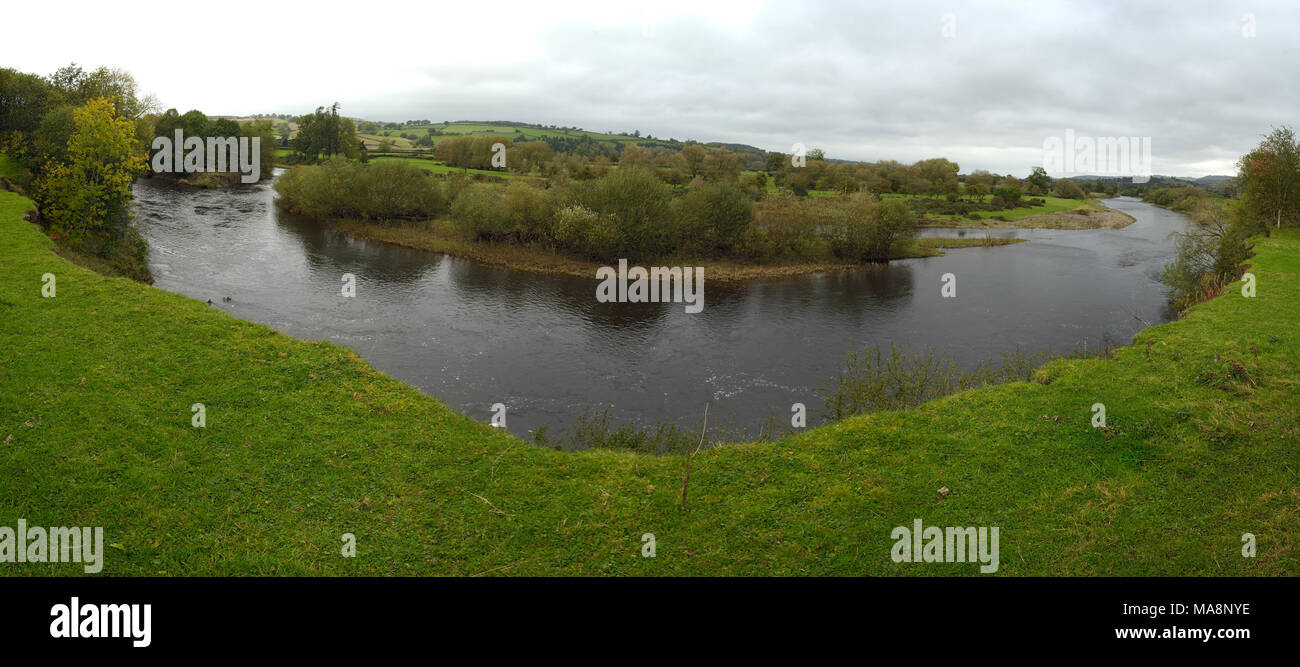 The River Wye and River Islands near Llyswen (Glangwye) - Stock Image