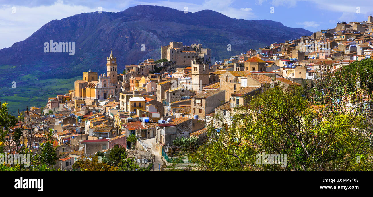 Impressive Caccamo village,view with houses,old castle an mountains,Sicily,italy. - Stock Image