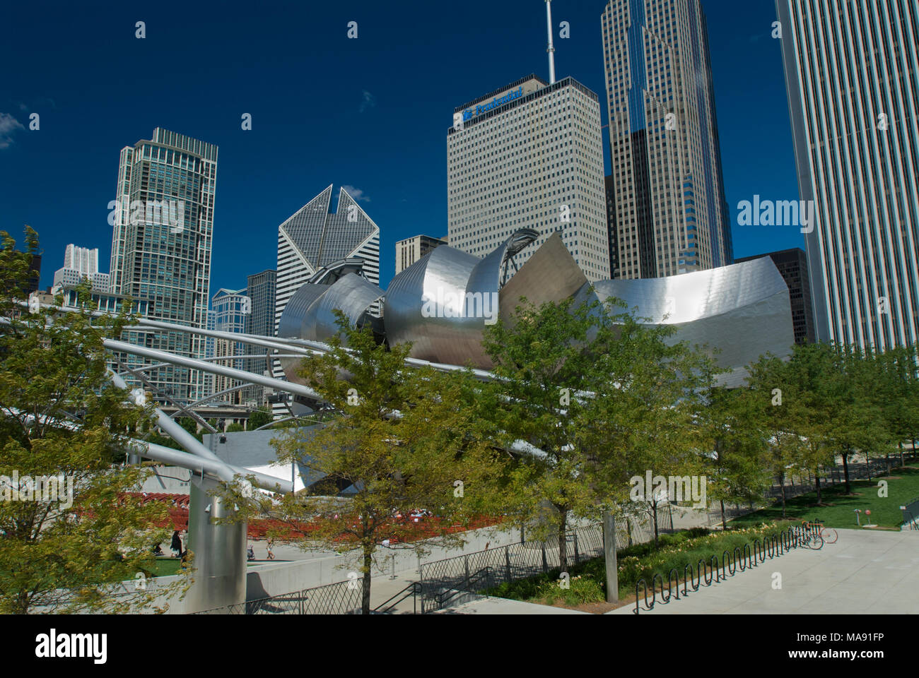 Jay Pritzker Pavilion, Millennium Park (a part of Grant Park)  Chicago, Illinois. Trellis network to hold speaker system. Stainless steel headdress ab - Stock Image
