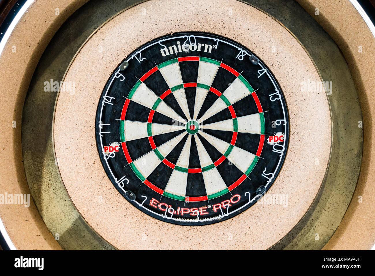 Dart Boards Stock Photos & Dart Boards Stock Images - Alamy
