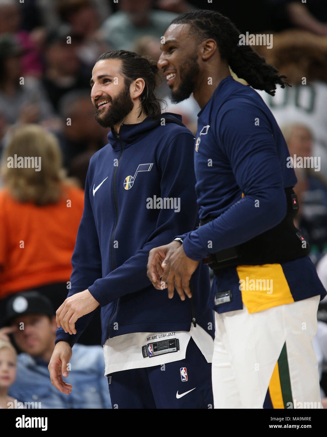 Salt Lake City, Estados Unidos. 31st Mar, 2018. Utah Jazz guard Ricky Rubio (L) and Utah Jazz forward Jae Crowder (R) talks during a time out during an NBA game against the Memphis Grizzlies at Energy Solutions Arena in Salt Lake City, Utah, 30 March 2018. Rubio is sitting out the game with left hamstring soreness. Credit: George Frey/EFE/Alamy Live News - Stock Image