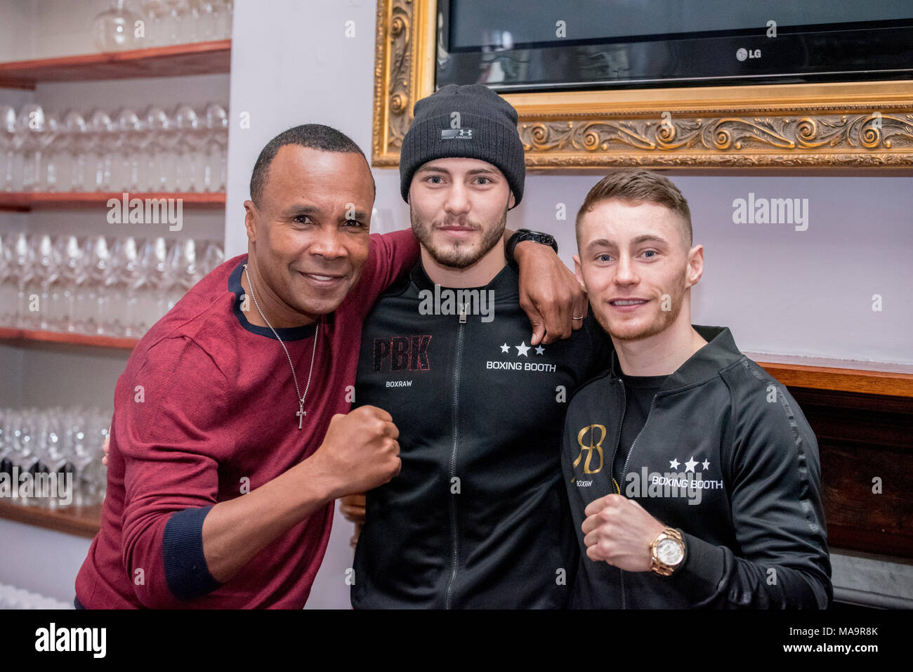 Park House restaurant, Cardiff, 31st March 2018: Josh Kelly and Ryan Burnett who are fighting on the undercard at Joshua v Parker tonight meet Sugar Ray Leonard at an event in Cardiff Credit: Andrew Dowling/Influential Photography/Alamy Live News - Stock Image