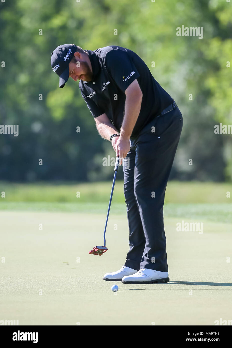 Humble, Texas, USA. 30th Mar, 2018. Shane Lowry (IRL) watches his putt on 7 during Round 2 of the Houston Open on March 30, 2018 at Golf Club of Houston in Humble, Texas. Credit: Action Plus Sports/Alamy Live News Stock Photo