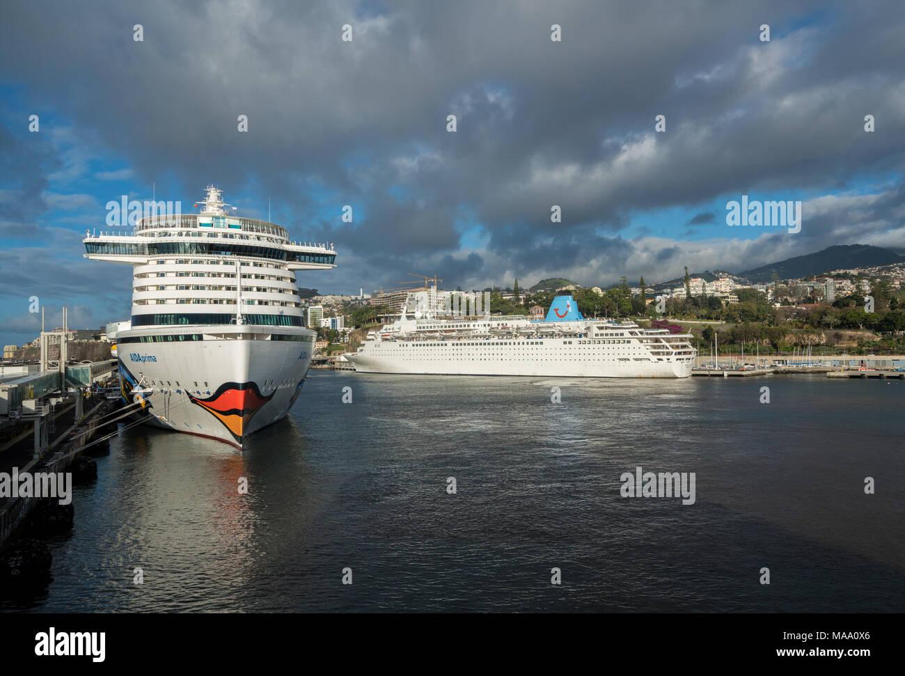 Aidaprima docked in harbor at Funchal Madiera - Stock Image
