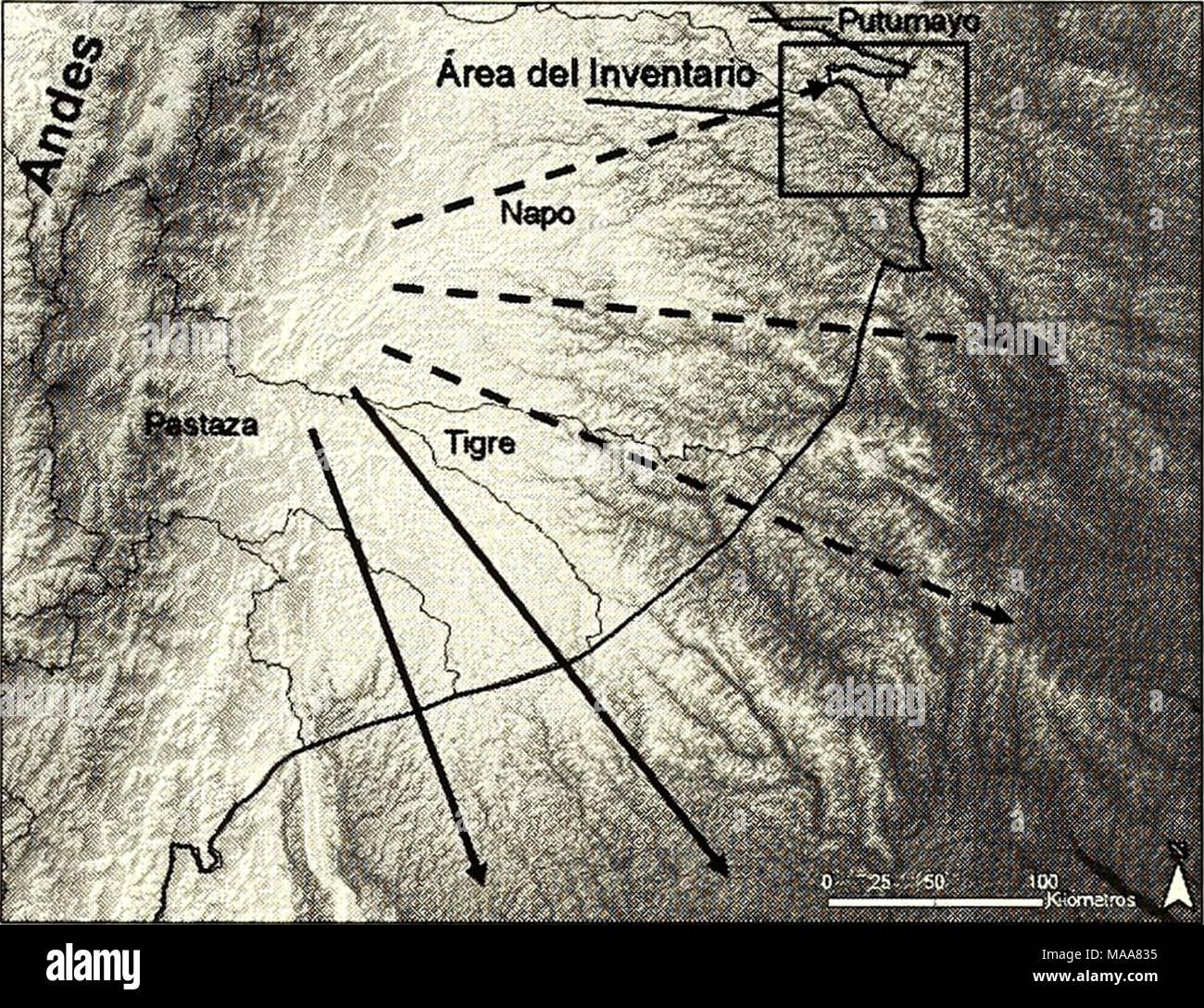 """. Ecuador, Perú : Cuyabeno-Güeppí . Una significativa erosión de la sección nororiental del abanico aluvial del Pastaza ha producido la formación de filos dramáticos y valles, diseccionando el terreno con un patrón radial desde la parte superior del abanico y formando las cabeceras del río Tigre, así como muchos de los afluentes del río Ñapo. Las colinas y filos restantes (las """"terrazas altas"""" que fueron comúnmente encontradas durante este inventario) todavía aparecen como superficies planas, aunque ligeramente inclinadas, que eran posiblemente parte de la superficie del abanico aluv - Stock Image"""