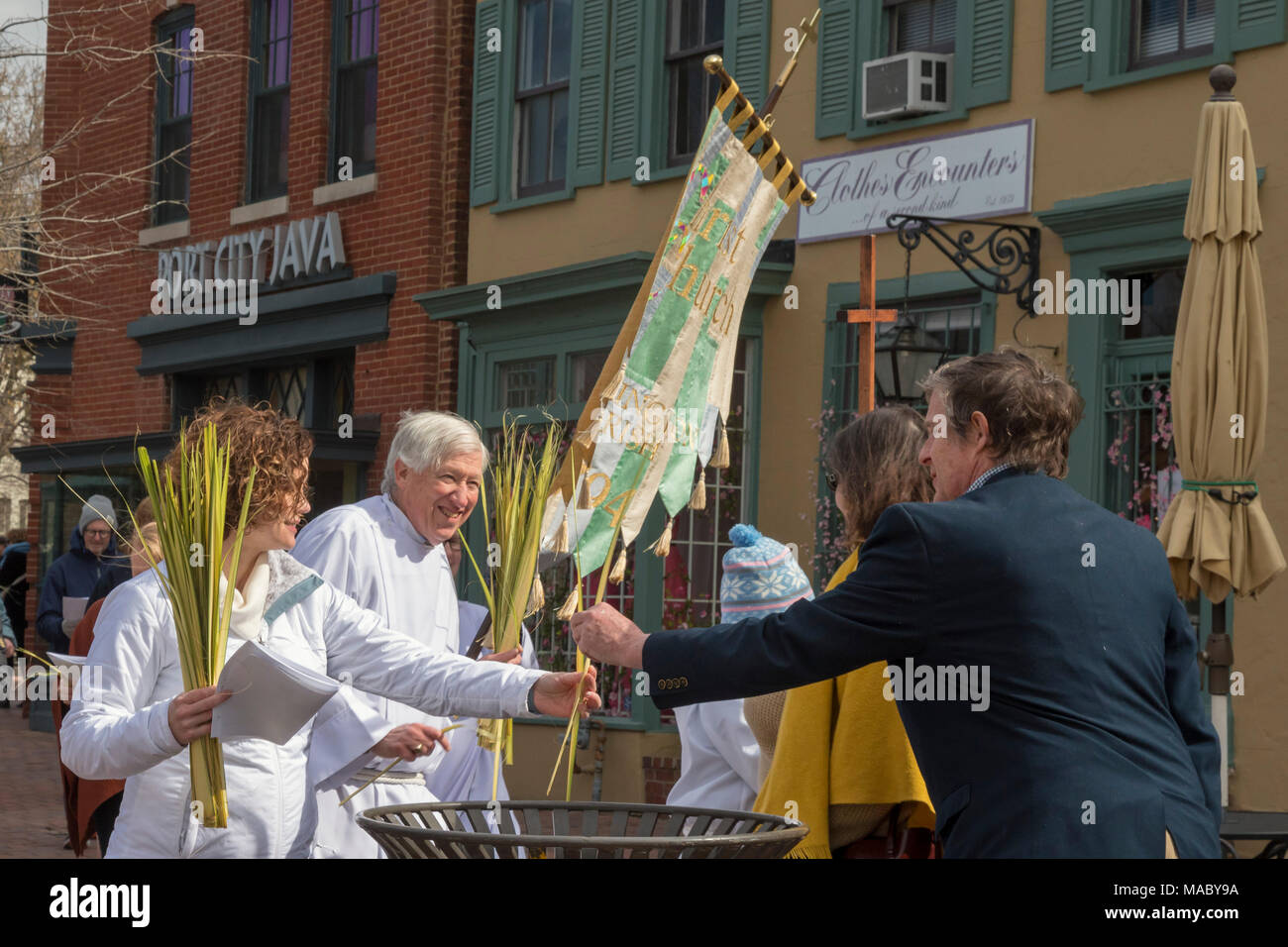 Washington, DC - Members of Christ Church celebrated Palm Sunday with a procession in their Capitol Hill neighborhood before worship at the church. As - Stock Image