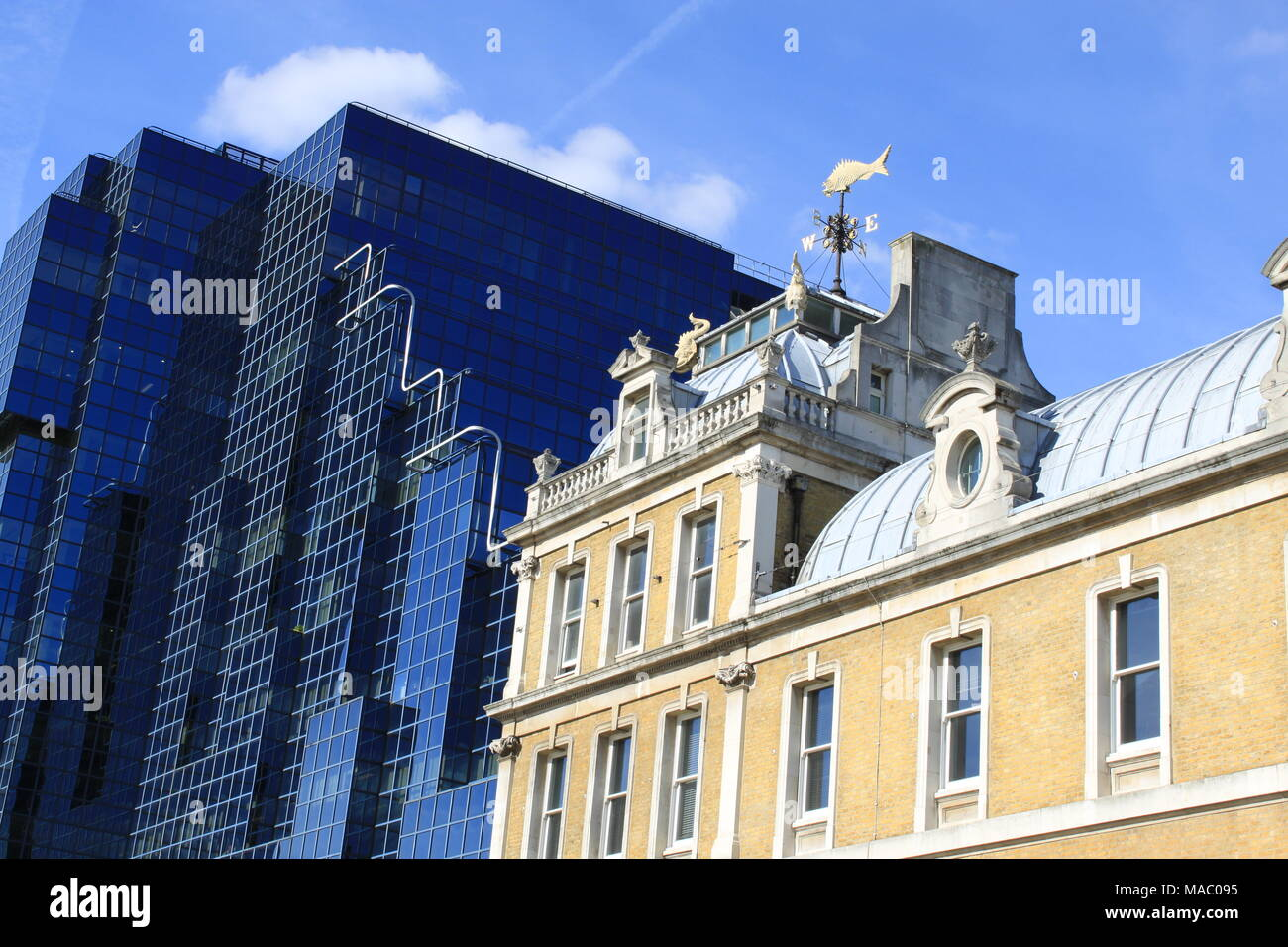 Old Billingsgate Market: The Striking Contrast In Old And Modern  Contemporary Buildings On The River