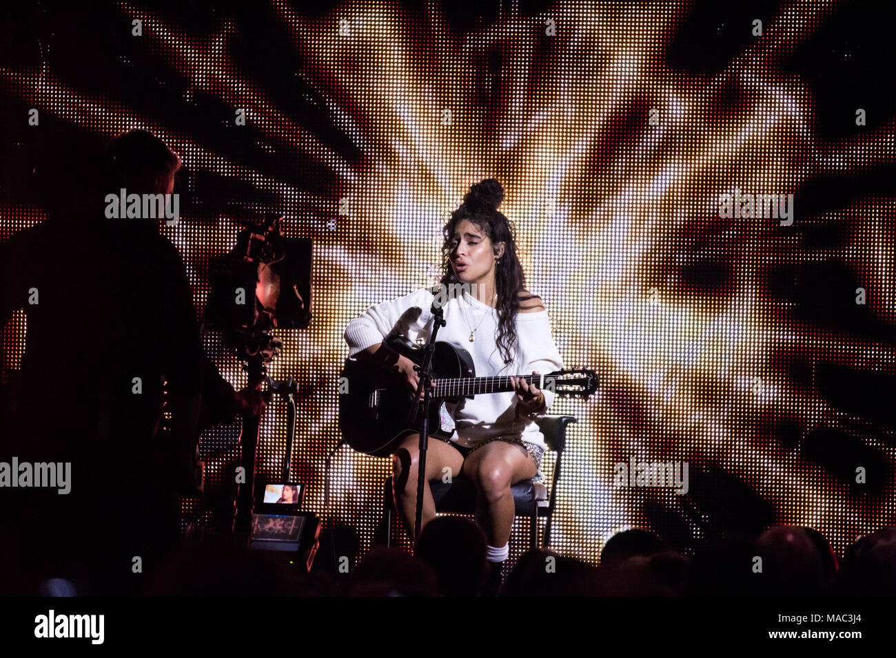 Vancouver, CANADA. 26th March, 2018. Jessie Reyez performs with Daniel Caeser at at the 2018 Juno Awards in Vancouver. Credit: Bobby Singh/fohphoto - Stock Image